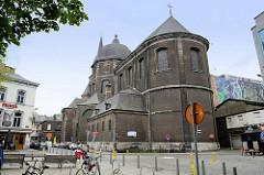 Stiftskirche St. Johannes der Evangelist - Wiederaufbau 1754, Architekt Jacques-Barthélemy Renoz.
