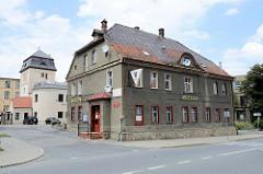 Heimatmuseum und  öffentliche Bibliothek in Langenbielau / Bielawa; Ausstellung unter anderem zur Textilindustrie der Stadt mit Hand Webstühlen und Spinnrädern.