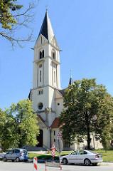 Kirche von St. Jan Nepomucky in Budweis  / České Budějovice. Johann Nepomuk Neumann erhielt seine Priesterausbildung in Budweis/Prag und wirkte als Bischof bis 1860 in Philadelphia / Amerika.  Nepomuk wurde 1977 von der Katholischen Kirche heiligges