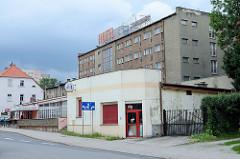 Hotel Eule in Langenbielau / Bielawa; schlichtes Funktionsgebäude mit flachem Vorbau als Restaurant.