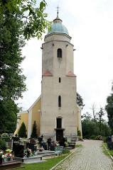 Sehenswürdigkeiten in Pieszyce / Peterswaldau - die  Sankt Jakobskirche wurde im Stil der Backsteingotik 1566 errichtet.