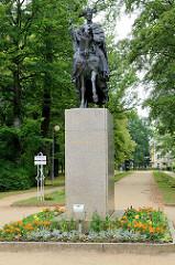 Reiterstandbild, Denkmal Kaiser Franz II im Kurpark von  Franzensbad / Františkovy Lázně.