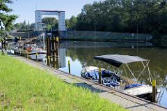 Warteplatz für Sportboote an der Lehnitzschleuse / Oranienburg,