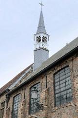 Glockenturm / Uhrenturm der Abtei von Sint-Godelievea in Brügge.