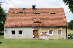 Doppelhaus in Pieszyce / Peterswaldau - Ochsenaugen, Fledermausgauben  als Dachfenster. Pieszyce Peterswaldau
