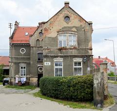 Restaurierungsbedürftige Villa/Wohnhaus, Teil der ehemaligen Dierig Textilwerke / Bielbaw - Industrieruine in der polnischen Stadt Langenbielau/Bielawa.