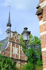 Areal beim Großen Beginenhof  in Löwen / Leuven. Der Löwener Beginenhof ist ein typischer Stadtbeginenhof mit zahlreichen kleinen Straßen und Plätzen. Die meisten Häuser stammt aus dem 16. Jahrhundert.