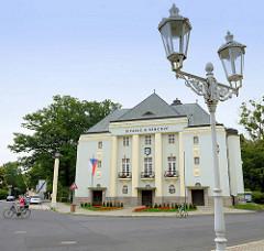 Božena-Němcová-Theater in Franzensbad / Františkovy Lázně; errichtet 1928 im Stil des Neoklassizismus -Architekt Prof. Artur Payer.