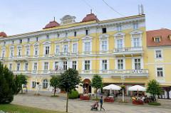 Historische Hotelarchitektur aus der Jahrhundertwende / Hotel Savoy am Kurpark von Franzensbad, Františkovy Lázně.