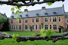 Gebäude  vom Großen Beginenhof  in Löwen / Leuven. Der Löwener Beginenhof ist ein typischer Stadtbeginenhof mit zahlreichen kleinen Straßen und Plätzen. Die meisten Häuser stammt aus dem 16. Jahrhundert.