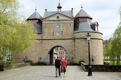 Historische Stadttor von Brügge, Teil der alten Stadtbefestigung; das sogenannte Eseltor / Ezelpoort wurde 1369 errichtet.