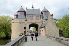 Historisches Stadttor von Brügge, Teil der alten Stadtbefestigung; das sogenannte Eseltor / Ezelpoort wurde 1369 errichtet.