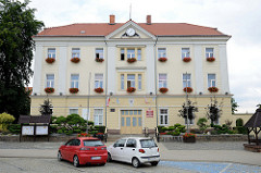 Rathaus von Langenbielau/Bielawa,  ehemaliges Verwaltungsgebäude der Dierig Textilwerke.