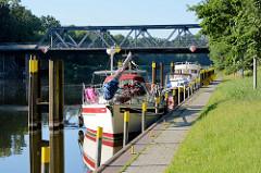 Warteplatz für Sportboote an der Lehnitzschleuse / Oranienburg.