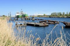 Hafenbecken am Boudewijnkanal in Zeebrugge.