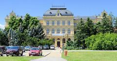 Historische Architektur in Budweis / České Budějovice, Bibliotheksgebäude in der Lidická tř.