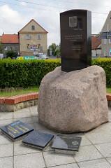 Polnisches Nationaldenkmal an der Straße 3 Maja in Peterswaldau / Pieszyce.
