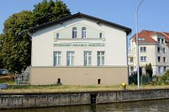 Historisches Gebäude, Schiffahrt-Abgaben-Hebestelle an der Vorstadt-Schleuse Brandenburg a. d. Havel. Früher wurde in der Hebestelle die Nutzungsgebühr für die Benutzung der Wasserstraßen entrichtet.