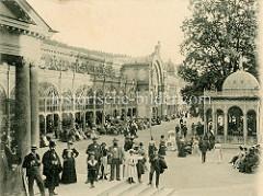 Historische Fotografie von den Colonnaden und  Musikpavillon in   Marienbad / Mariánské Lázně.