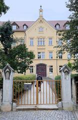 Gebäude der Volkshochschule Altenburger Land in der Hospitalstraße von Altenburg.