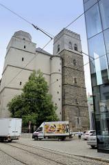 Gotisches Gebäude der Sankt Mauritiuskirche / Kostel svatého Mořice in Olmütz / Olomouc; im 15. Jahrhundert fertiggestellt ist die Kirche ein Zeugnis der spätgotischen Architektur in Mähren.