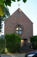 Katholische Kirche St. Theresia vom Kinde Jesu in Finow, geweiht 1934 - Architekt  Josef Bachem.