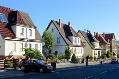 Symmetrische Wohnhäuser / Doppelhäuser mit Satteldach, Spitzdach in Eberswalde.
