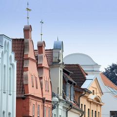 Giebel von Wohnhäusern in Güstrow.