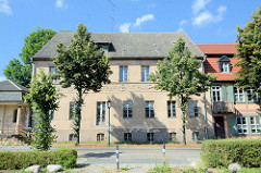 Villa Hirsch in der Messingwerksiedlung von Finow - die Fabrikantenvilla wurde 1916 nach Plänen von Paul Mebes entworfen; sei 2006 Leerstand.