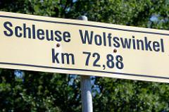 Hinweisschild Schleuse Wolfswinkel am Finowkanal km 72,88