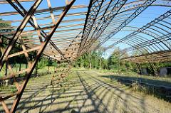 Reste der denkmalgeschützten Borsighalle in Eberswalde - die Metallkonstruktion steht auf der Liste der National wertvollen Kulturdenkmäler. Die  von August Borsig entworfene Konstruktion auf dem Berliner Gelände der Borsighallen als Walzwerk genutzt