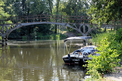 Blick über den Messinghafen  zur historischen  Eisenbrücke / Teufelsbrücke beim Finowkanal Ursprünglich 1824 in Berlin errichtet und 1913 hier am Messinghafen montiert.