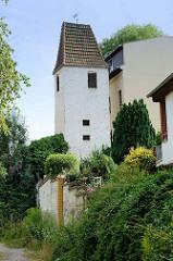 Blick zum restaurierten Hussitenturm in Altenburg, Teil der ehemaligen Stadtbefestigung,  ursprünglich im zwölften Jahrhundert errichtet.
