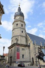Kirchturm der St. Bartholomäikirche in Altenburg - gotische Hallenkirche, 1443 vollendet. Die Kirche wurde als Stätte der Reformation mit dem Europäischen Kulturerbe-Siegel ausgezeichnet.