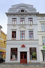Denkmalgeschützte Wohn- und Geschäftshaus am Markt in Güstrow