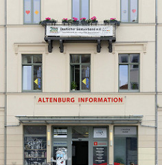 Tourismusinformation Altenburger Land am Marktplatz der Stadt Altenburg - auch Sitz der Geschäftsstelle vom Deutschen Skatverband e.V.