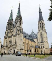 Wenzelsdom, Katedrála svatého Václava in Olmütz / Olomouc. Ursprünglich als gotische Kirche im 14 Jahrhundert vollendet - der König Wenzel III. wurde in der Kirche bestattet. Ab 1883 wurde der Dom im Stil der Neogotik teilweise neu gestaltet- Archite