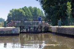 Schleusenkammer der Schleuse Wolfswinkel am Finowkanal - die Kammer hat eine Länge von 41 m und einen Hub von 2,60 m.