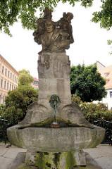 Skatbrunnen auf dem Brühl in Altenburg; aufgestellt 1903 - Entwurf Bildhauer Ernst Pfeifer.