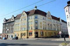 Restaurierte Wohnblocks / Eckgebäude in der Heegermühler Straße von Eberswalde.