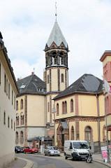 Denkmalgeschütztes Postgebäude am Theaterplatz in Altenburg - 1900 fertiggestellt, Baustil Historismus / Neoromanik.