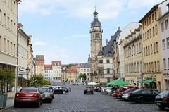 Blick zum Marktplatz von Altenburg - re. der Rathausturm vom Altenburger Rathaus. Das Gebäude ist eines der bedeutendsten Renaissance-Rathäuser Deutschlands und wurde zwischen 1561 und 1564 errichtet - Architekt  Nikolaus Gromann.