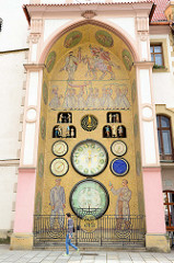 Astronomische Uhr am Rathaus von  Olmütz / Olomouc;  Neugestaltung in den  1950er Jahren.