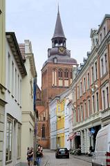 Kirchturm der Pfarrkirche St. Marien in Güstrow.