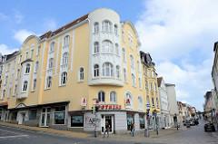 Jugendstil-Eckgebäude, Wohn-und Geschäftshaus in der Toosbüystraße / Norderstraße in Flensburg.