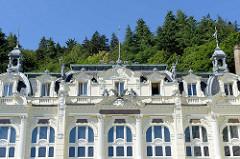 Fassade vom Grandhotel / Café Pupp in Karlsbad; neobarocker Prachtbau - Hotel mit 228 Zimmern, Architekten Ferdinand Fellner und Hermann Helmer.