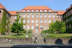 Denkmalgeschütztes Gebäude vom Finanzamt Flensburg in der Duburger Straße; errichtet 1924 - Architekt Wilhelm Penner.