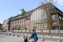 Holthusenbad in der Goernestraße von Hamburg Eppendorf. Die Badeanstalt wurde 1914 fertiggestellt - Architekt Fritz Schumacher.