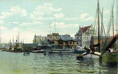 Historische Ansicht vom Hafen in Flensburg - Ausflugsschiffe und Fachwerkpavillion - Segelschiffe u. a. die Sirius.