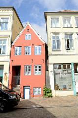 Historische Gebäude in der Norderstraße von Flensburg.